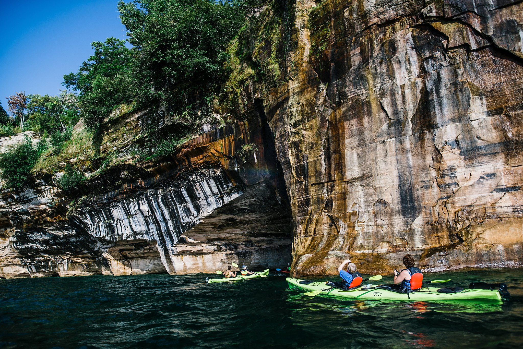 kayaking tour in Pictured rocks